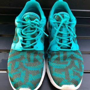 Nike Women's Roshe